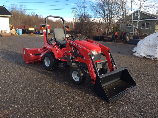New 2018 Massey Ferguson GC1715L