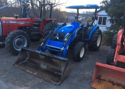 2008 New Holland TC40DA Tractor with Loader
